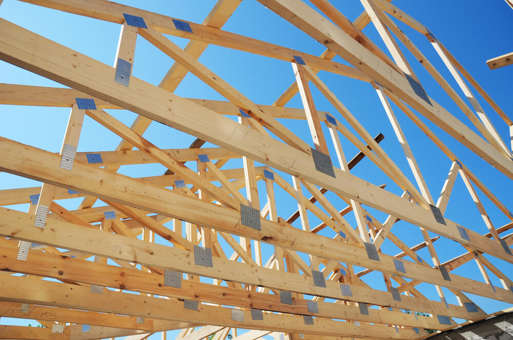 What is the Difference Between Rafters and Trusses?
